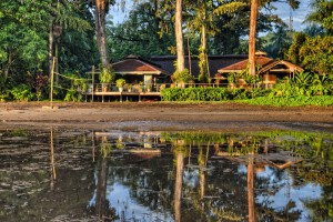 The main lodge at Walindi Dive Resort
