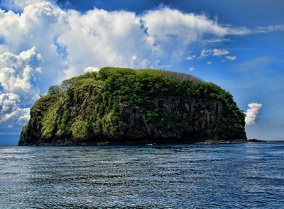 Gili Tepekong near Amuk Bay