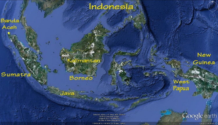 Diving indonesia the indonesian archipelago map of indonesia showing the large islands of sumatra borneo and new guinea gumiabroncs Gallery