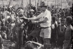 Papua New Guinea Survival Guide - Michael Leahy in 1934