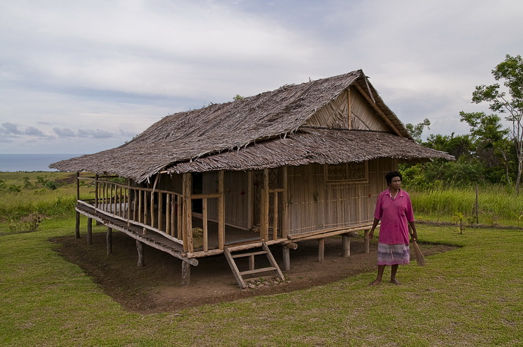 Village Life in Papua New Guinea - Jackson's Guest House in Orotoaba Village