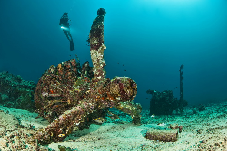"The ""Deep Pete"" Wreck in Kavieng - The Catalina Wreck in Kavieng"
